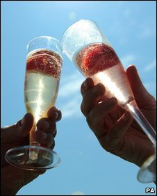 Champagne flutes (PA)