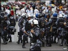 Zelaya supporters protest in Tegucigalpa 28.9.09