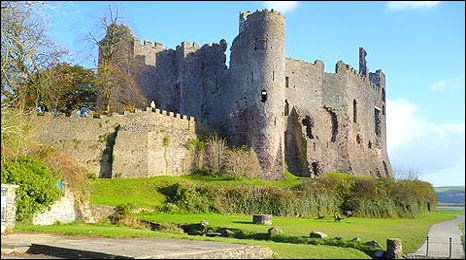 Laugharne Castle by Peter Jackson