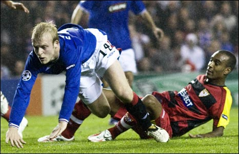 Steven Naismith is tripped by Abdoulay Konko