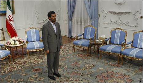 Iranian President Mahmoud Ahmadinejad waits to meet the Iraqi parliament speaker in Tehran, 7/9/09