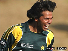 Mohammad Asif dismisses Cameron White
