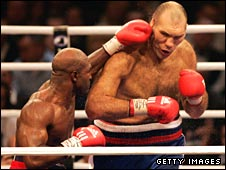 Evander Holyfield (left) and Nikolay Valuev