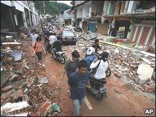 Padang street, 1 October 2009