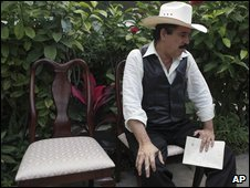 Manuel Zelaya before giving a press conference in the courtyard of Brazil's embassy in Tegucigalpa, 2 October 2009