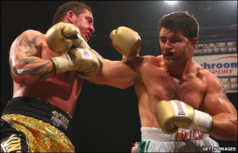 Scott Gammer and Coleman Barrett exchange blows at Prizefighter