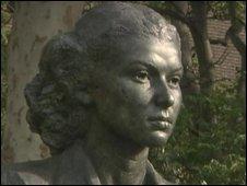 Bust of Violette Szabo