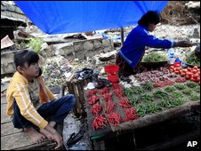Vegetable vendor in Padang - 5 October 2009