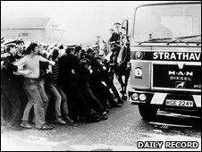 Police hold back protestors at Ravenscraig. Photo courtesy of The Daily Record