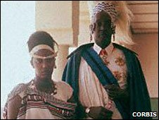 Queen Rosalie Gicanda (L) and King Mutara III (R) in 1957