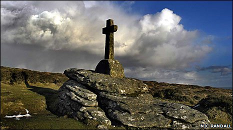 Granite cross on Dartmoor (Nic Randall)