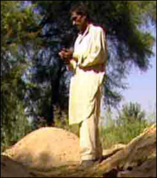 Abdul Razzaq, at the graves of his children