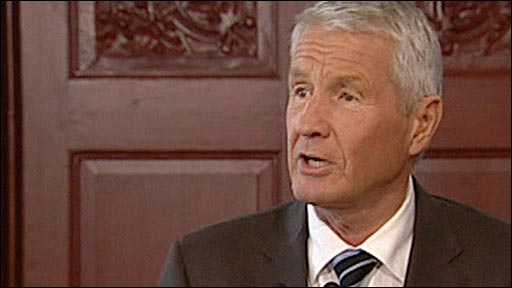 Thorbj�rn Jagland announces the Nobel peace prize