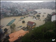 Flooding in Baguio City, Philippines (09 Oct 2009)
