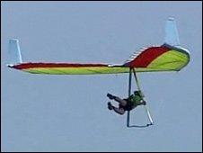 Steve Elkins making his 99.86cm flight