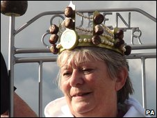 Sue Howes, women's World Conker Champion
