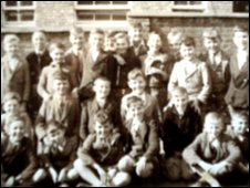 Class photo of children from the summer of 1939.