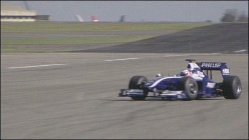 Williams test a F1 car at Cotswold Airport