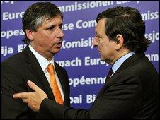 Czech Prime Minister Jan Fischer and European Commission President Jose Manuel Barroso