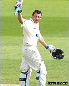 David Hussey celebrates a century for Nottinghamshire