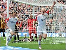 Ron Edwards scores at Wembley