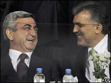 Armenian President Serge Sarkisian (left) and his Turkish counterpart Abdullah Gull at the football match in Bursa
