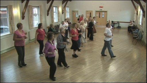 Salsa dancing class in Stroud
