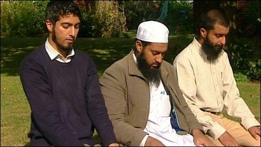 Cambridge Muslim College students