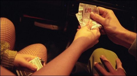 Money exchanging hands (generic)