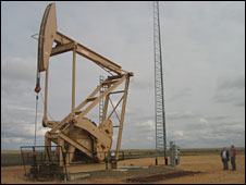 A nodding-donkey oil pump, Montana