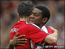 Robin van Persie and Abou Diaby were both on target for arsenal