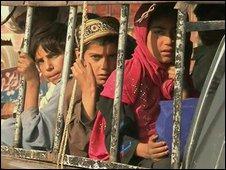 Pakistani children fleeing fighting in South Waziristan