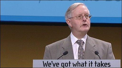 Former SNP leader Dr Gordon Wilson