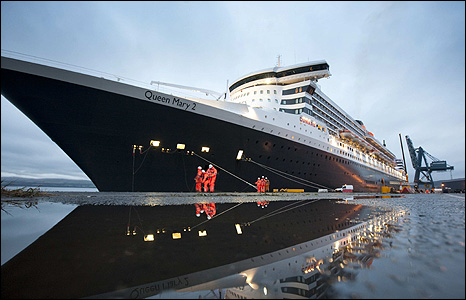 Queen Mary 2 (photo from Christopher James)