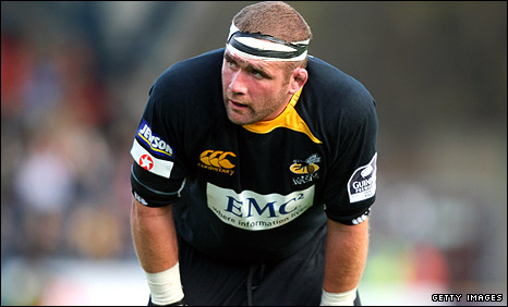 Phil Vickery in action for Wasps