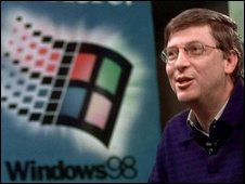 Bill Gates in front of Windows 98