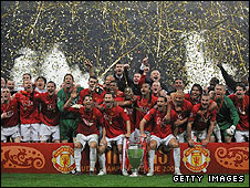 Manchester United celebrate their Champions League crown in 2008