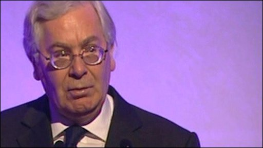 The Bank of England governor , Mervyn King