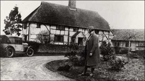 A cottage, now demolished, which was on the site of the present Gatwick Airport.