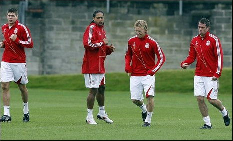 Steven Gerrard, Glen Johnson, Dirk Kuyt, Jamie Carragher