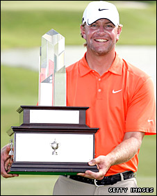 Lucas Glover with the trophy
