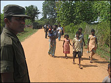 Sri lankan refugees returning home (Pic: Dinasena Rathugamage)