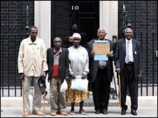 The claimants deliver a letter to 10 Downing Street