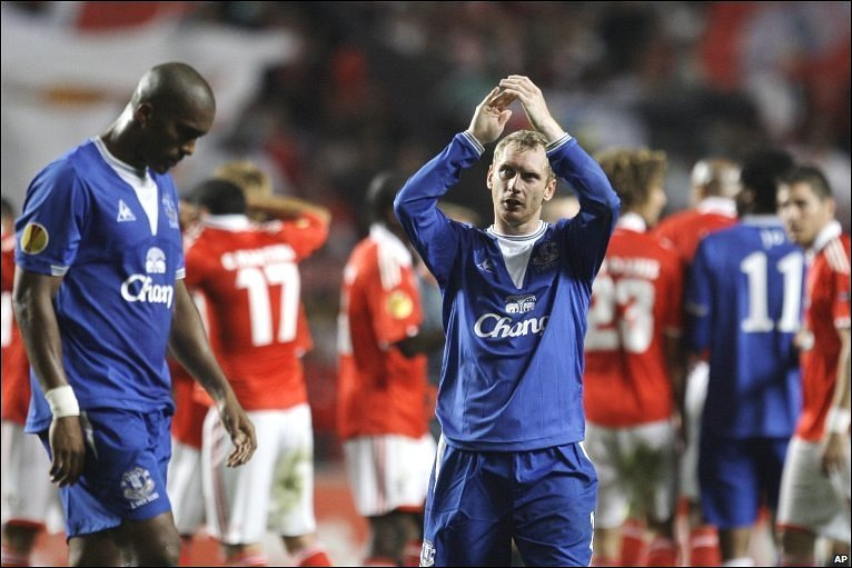 Everton's Tony Hibbert applauds supporters  at the end of Everton's defeat