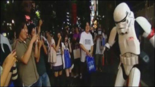 Storm trooper dancing in Tokyo