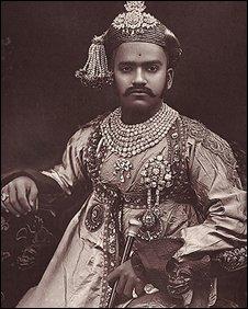 Maharaja Sayajirao Gaekwad III, Late 19th century