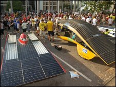 Solar cars on start line of the World Solar Challenge, part of the Global Green Challenge - Darwin, 25 October 2009