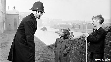 PC talking to kids