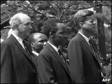 Julius Nyerere (C) with late US Presidetn John F Kennedy (Right)