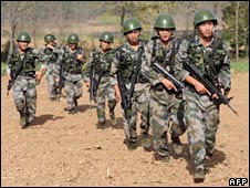 Chinese soldiers. File photo